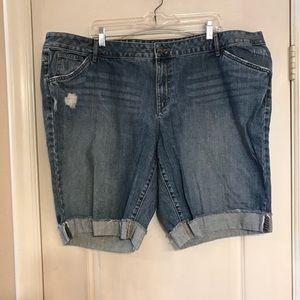 Pants - Apt 9 size 24W distressed jean shorts